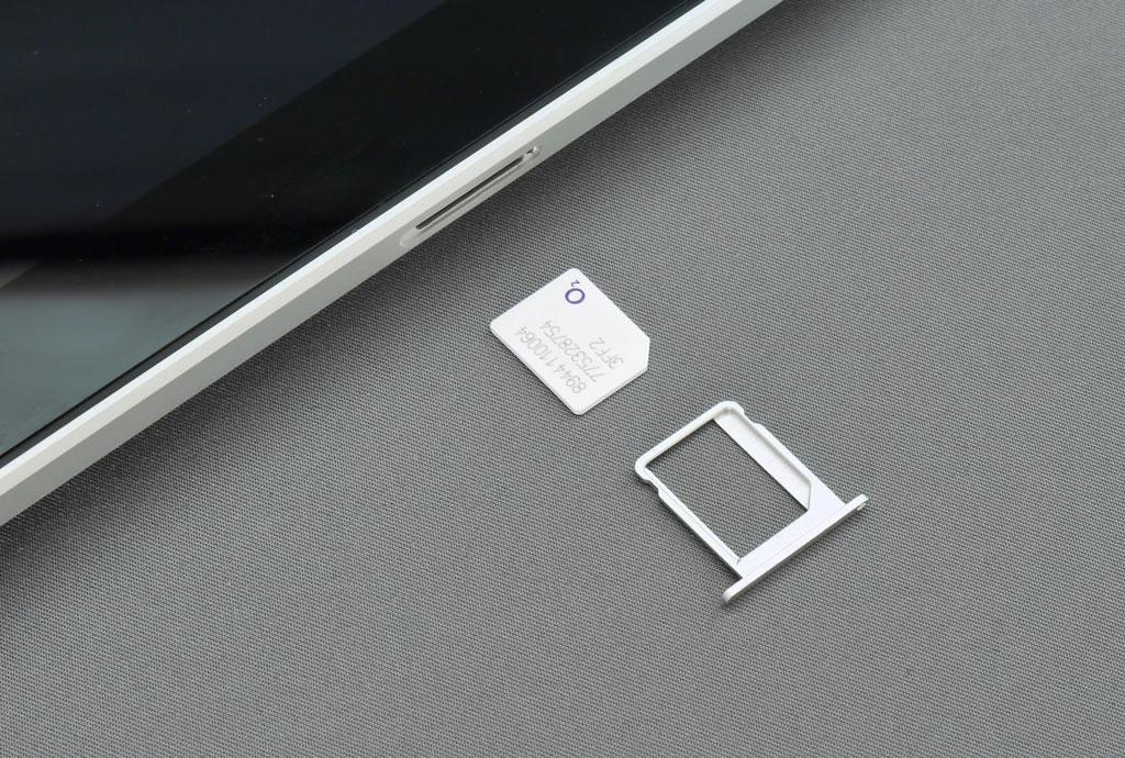 Installing a SIM card