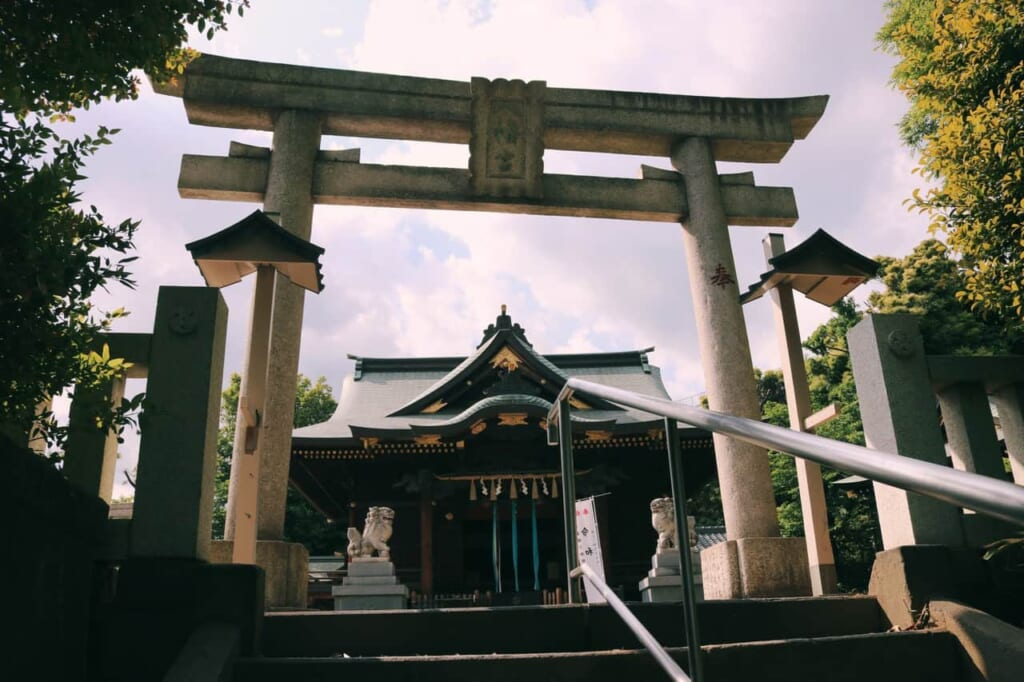Entrance of the Hachiman shrine in Akabane