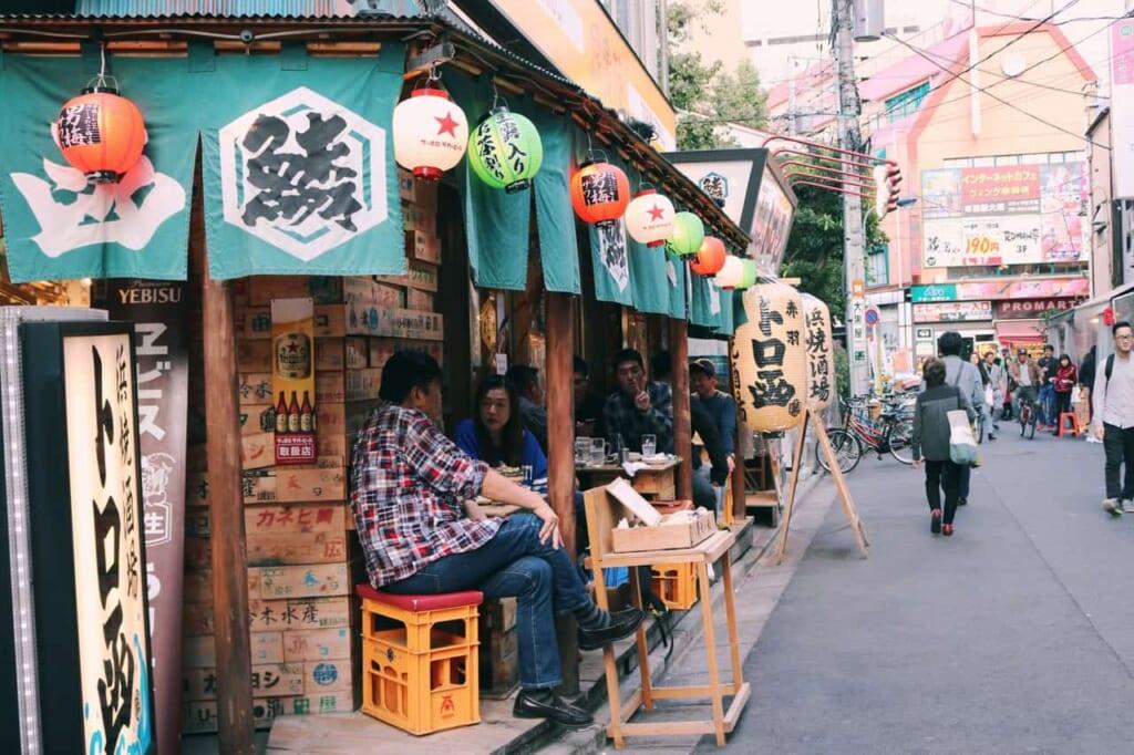 Surroundings of the ichibangai with many izakaya