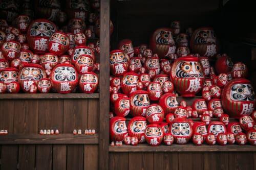 daruma dolls with both eyes painted