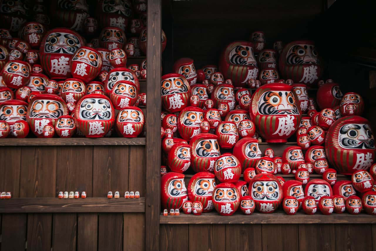 daruma dolls with both eyes painted