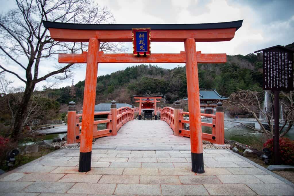 benzaiten shrine torii