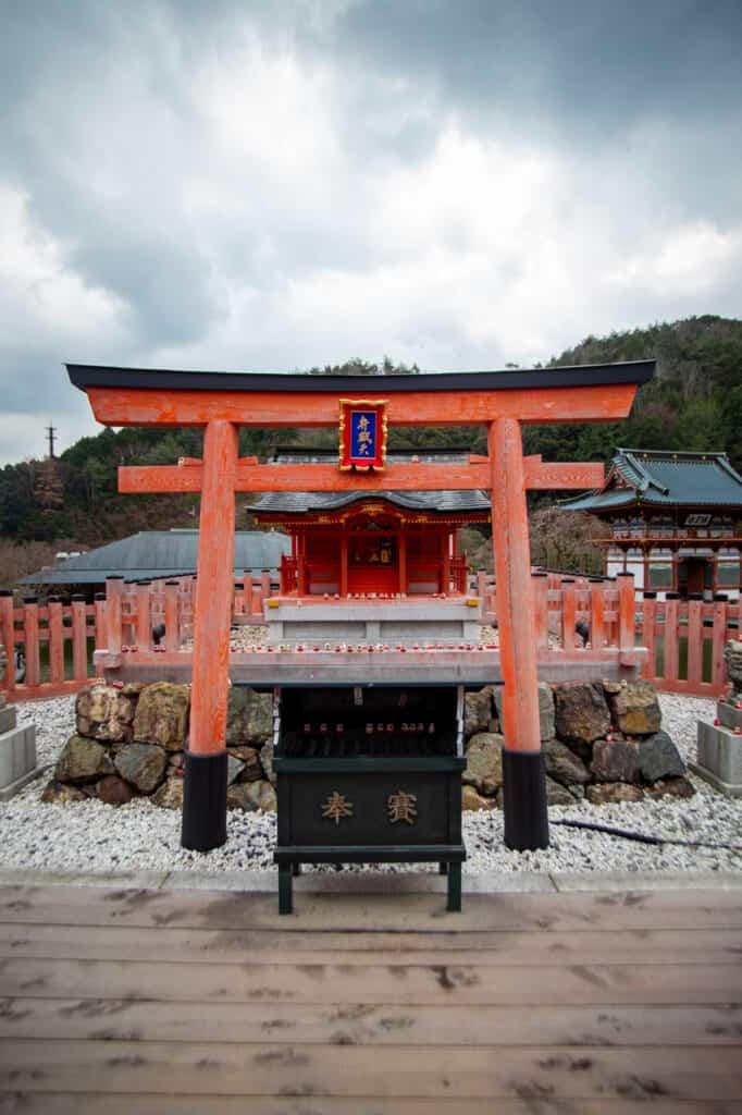 benzaiten shrine in Katsuo ji temple