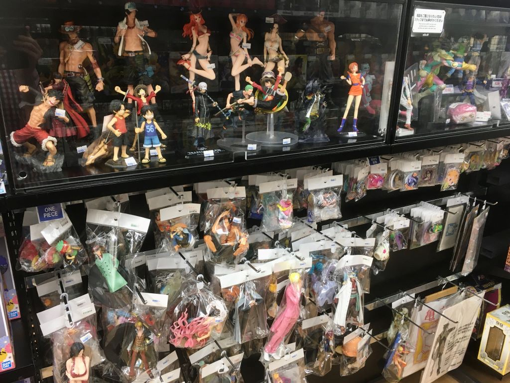A selection of used, box-less figures found at Book Off