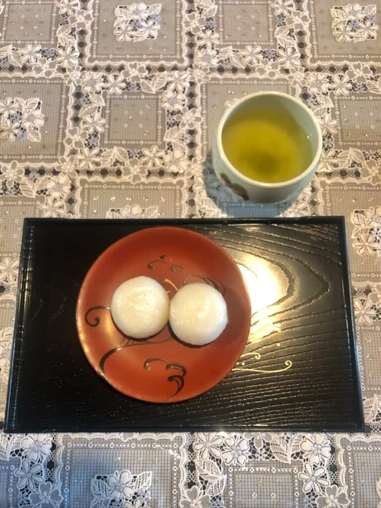 Japanese sweets and tea at Shida-tei house