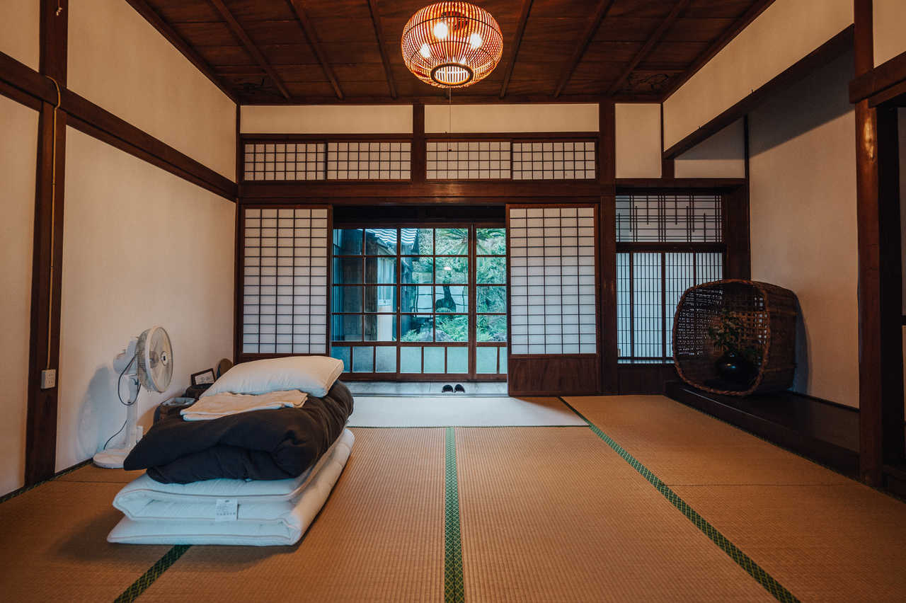 Tatami floored bedroom at Yanoya guesthouse on Ojika Island