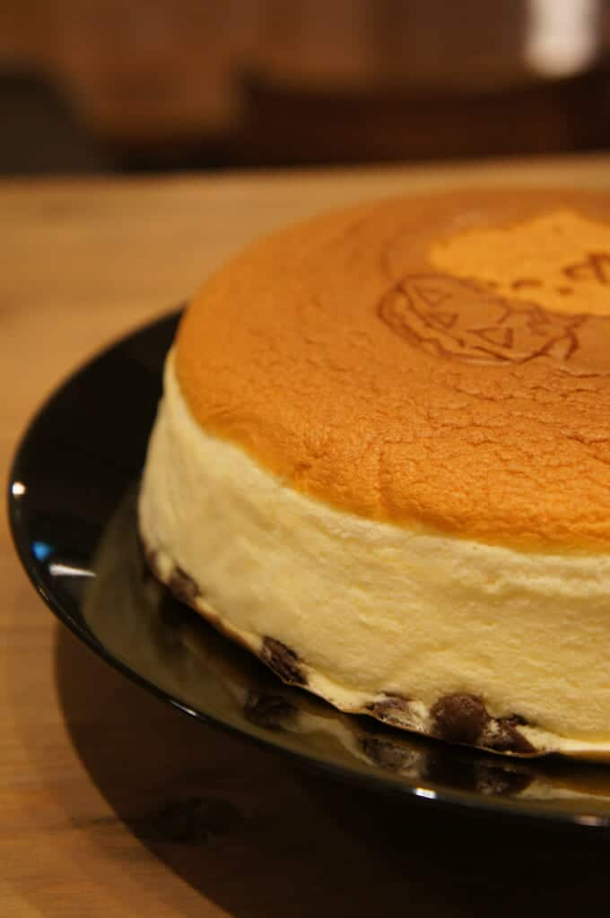 Detailed cheesecake, a Japanese cake