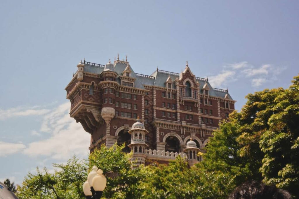 outside view of Tower of Terror at DisneySea
