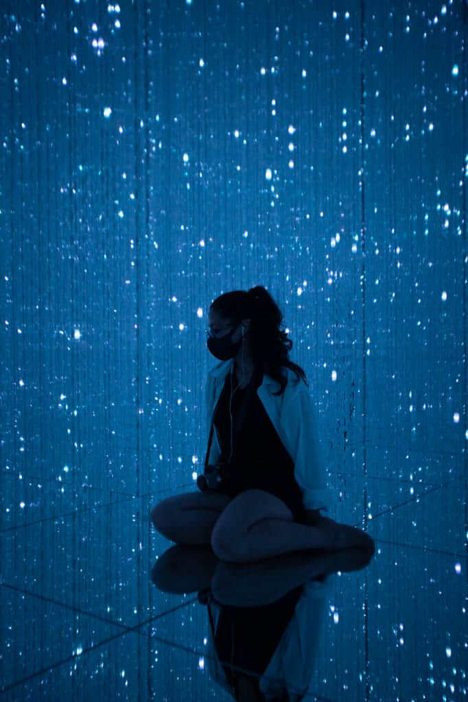 light crystals in teamLab Planets