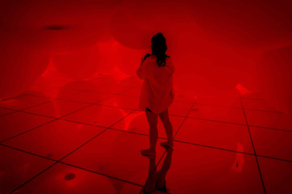 red spheres of light at teamLab Planets in Tokyo