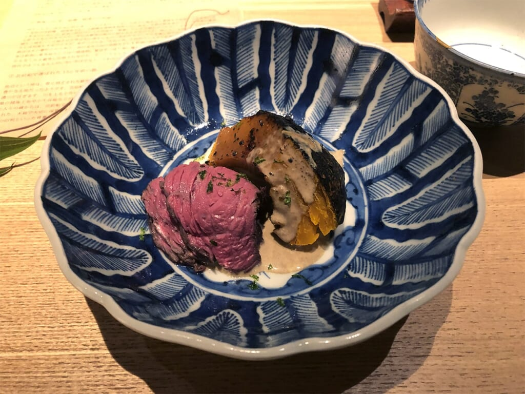 Meat dish in a Japanese plate