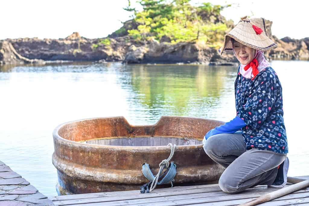 Tarai boat experience on Sado Island