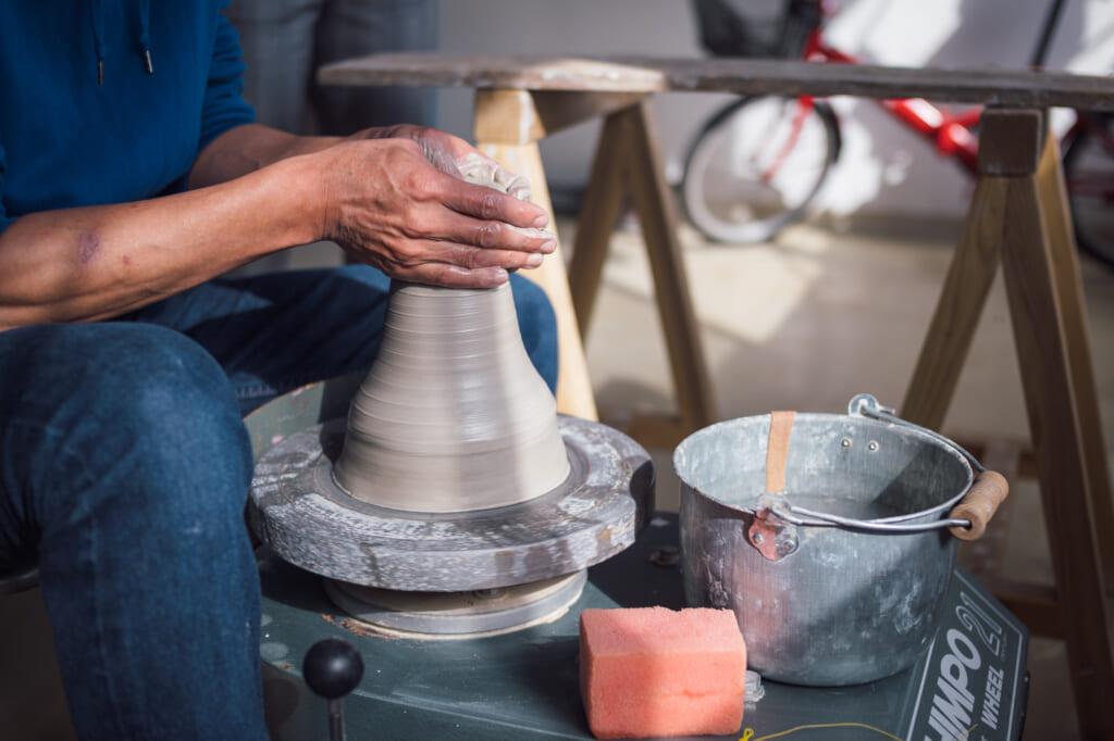 making traditional japanese ceramics in usuki, oita