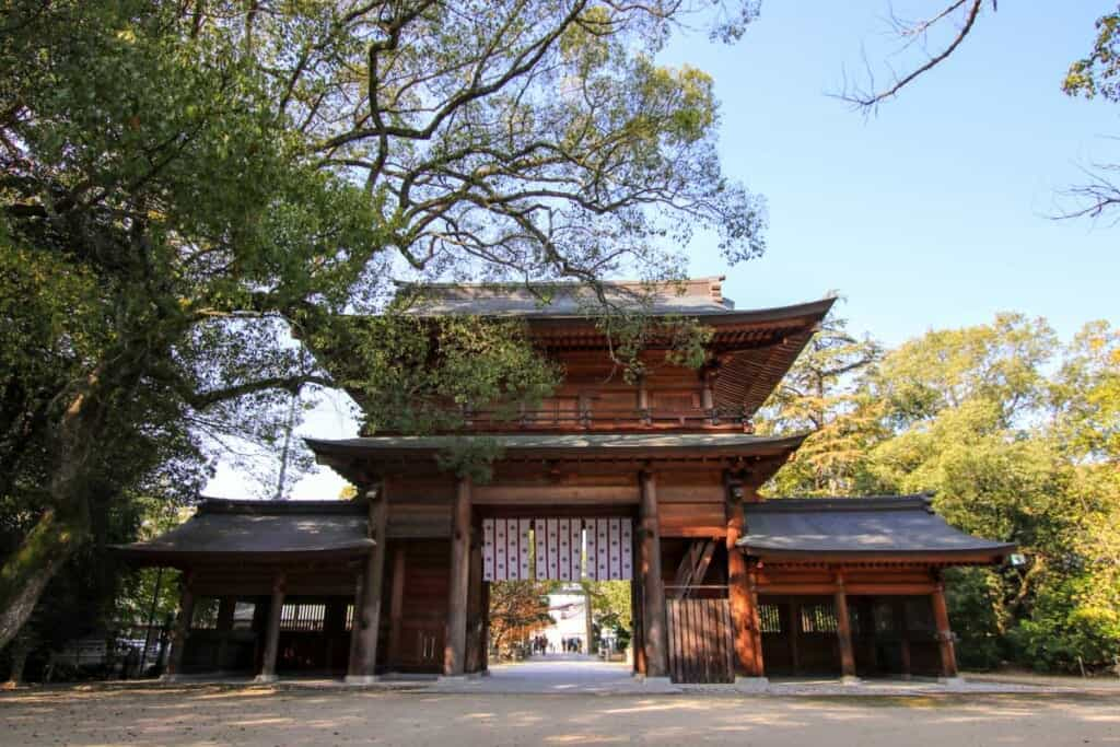 Oyamazumi shrine gate entrance
