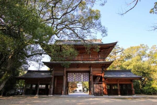 Oyamazumi shrine gate entrance