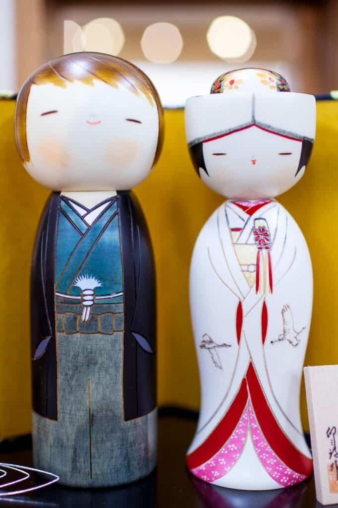 wedding kokeshi dolls