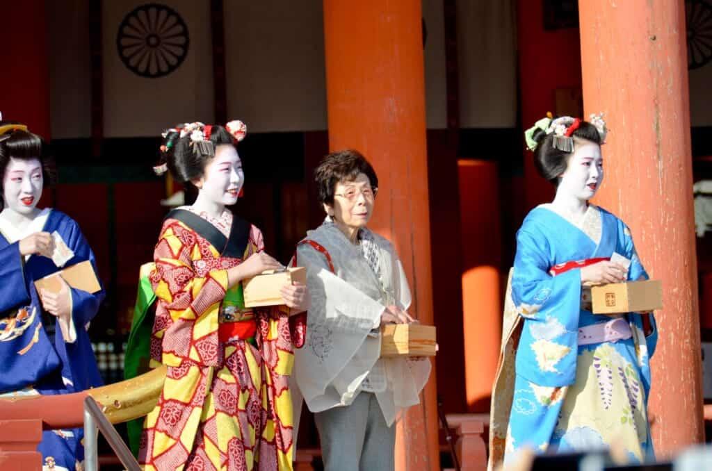Geishas also celebrate setsubun