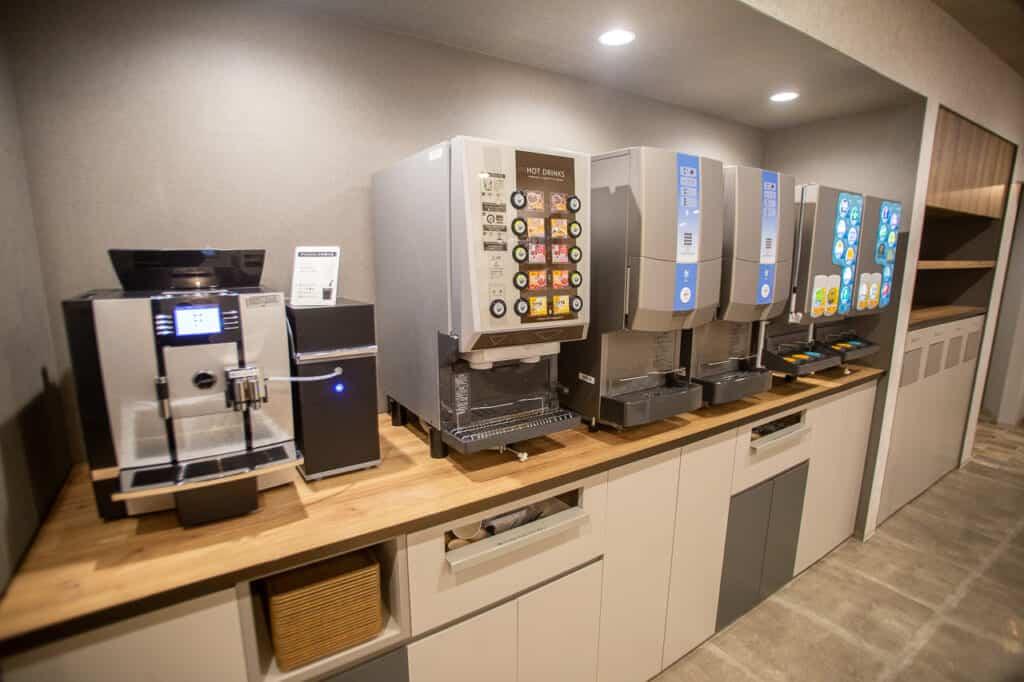 self serving coffee machines at Japanese manga cafe in Japan
