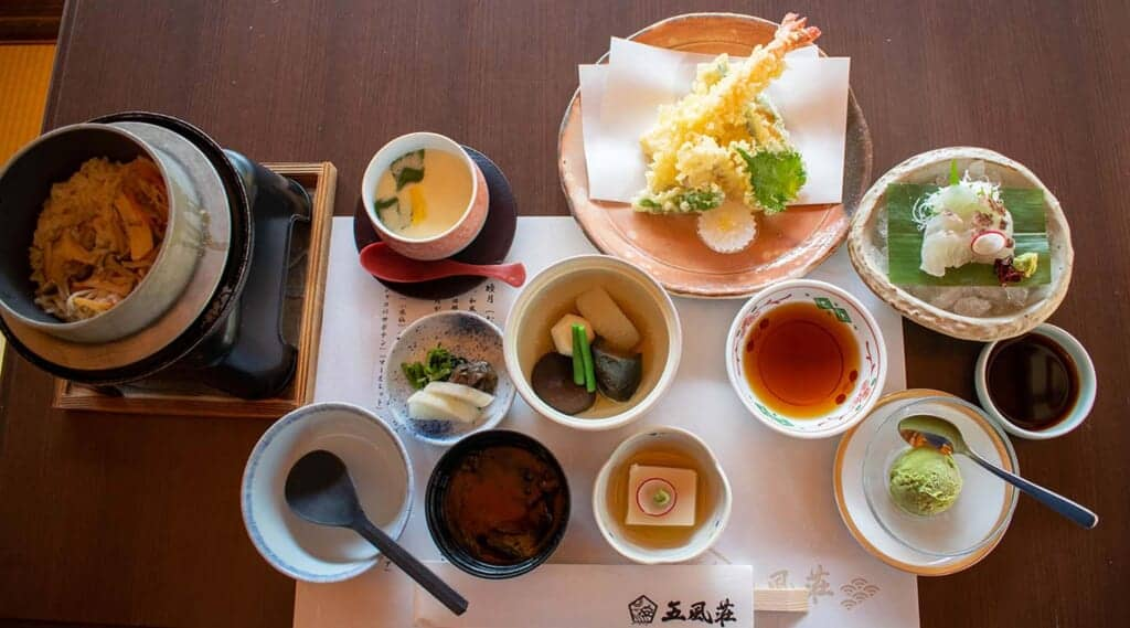 Complete lunch in a traditional Japanese restaurant