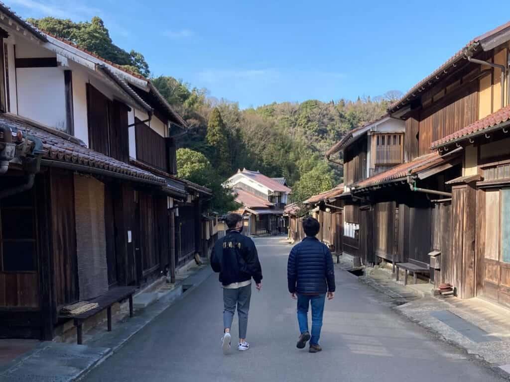 walking around traditional japanese town in shimane, Japan