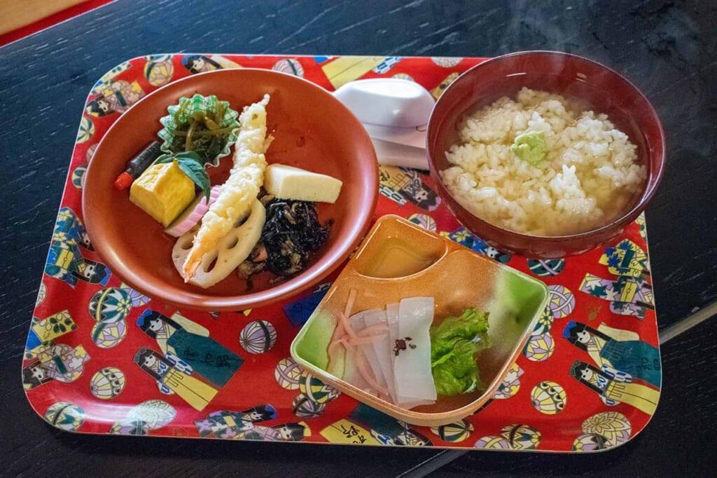 Traditional Japanese food served on washi paper plates at Sara-no-ki Shôintei