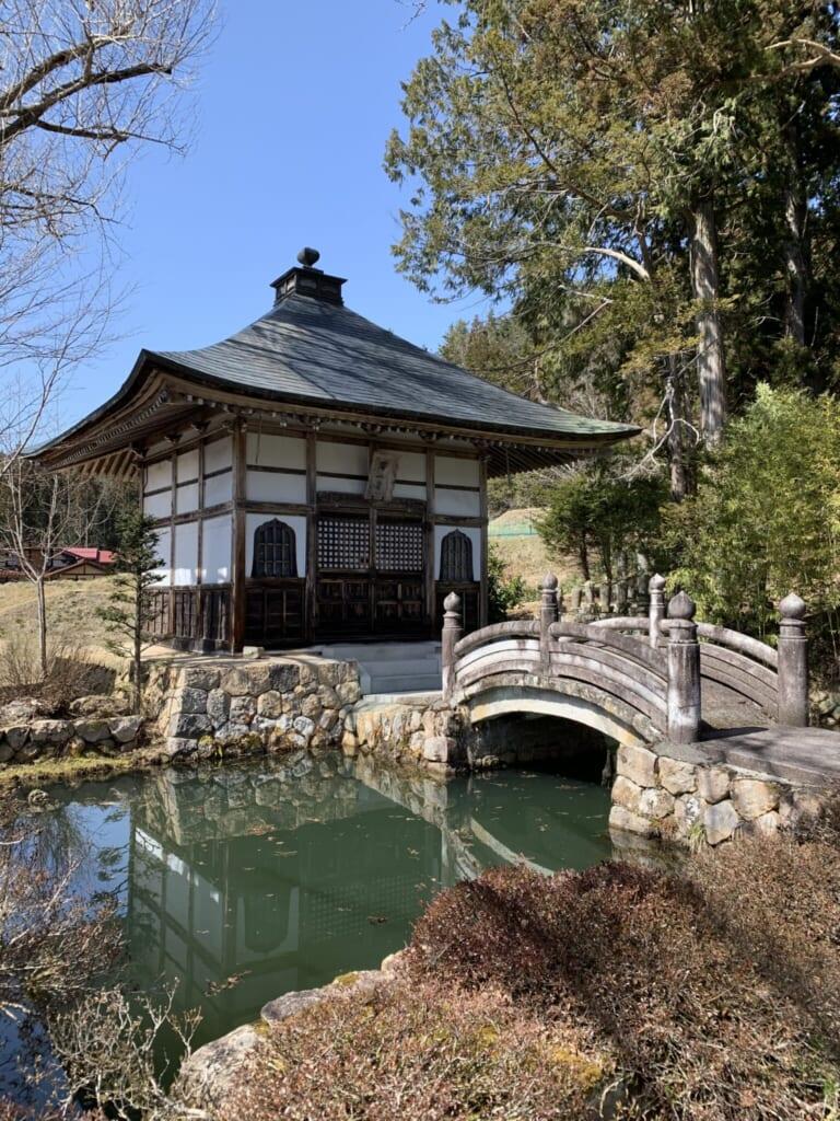 Japanese kyozo scripture house
