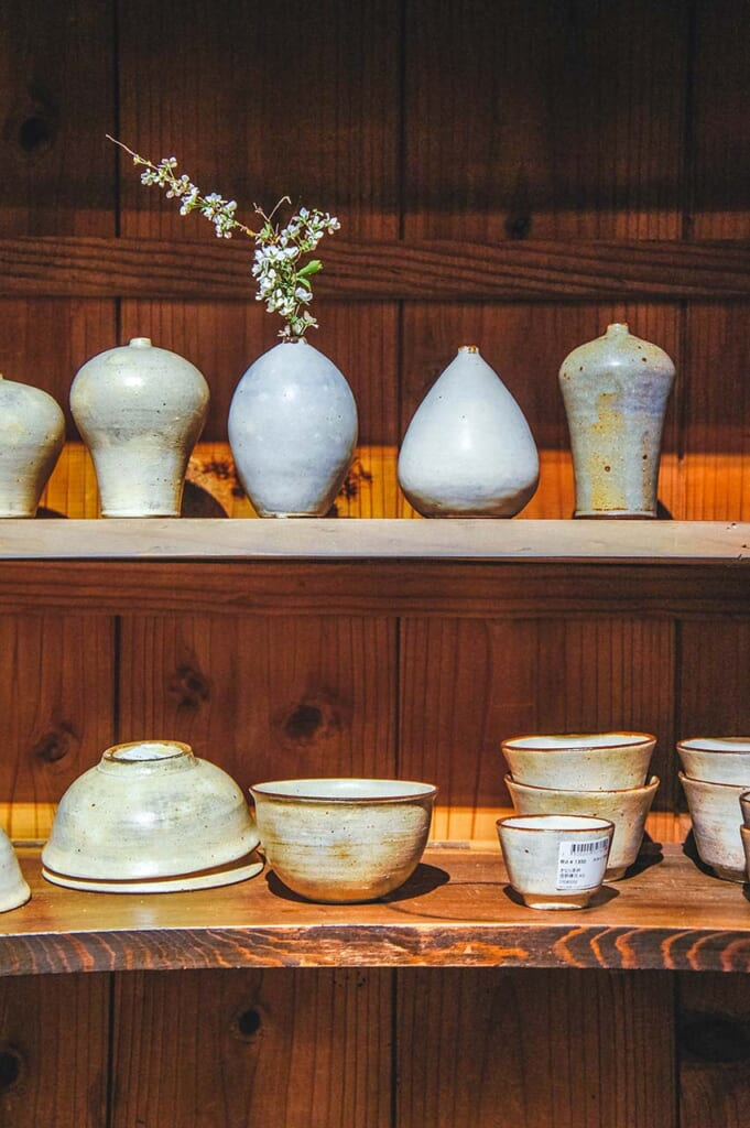 A line of pottery