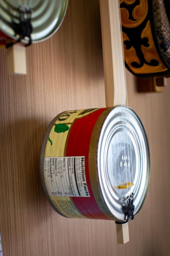 a kankara sanshin made with a tomato can