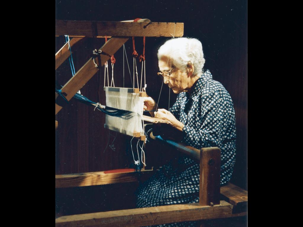 Yonamine Sada weaving japanese textiles