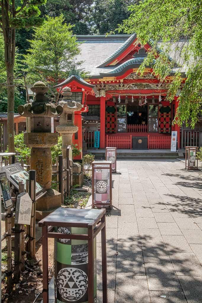traditional Japanese red shrine
