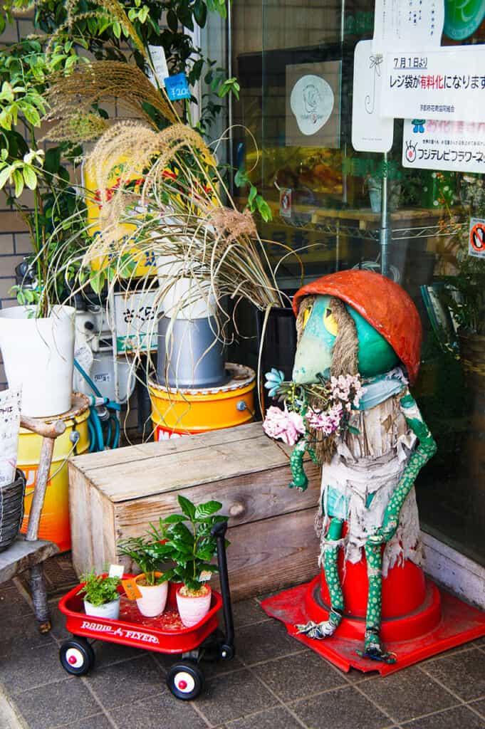 yokai in a flower shop