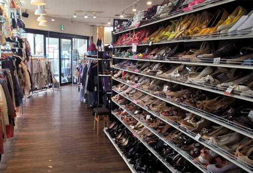 voyapon-friperie-vide-grenier-treasure-factory-chaussures
