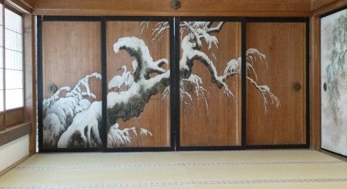 Porte coulissante peinte dans le temple Kongōbu-ji au mont Koya