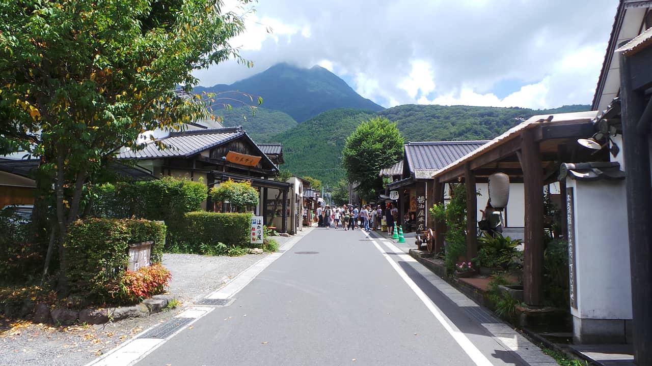 Yufuin : élégante petite ville thermale au cœur des montagnes !