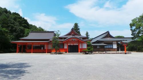 Le sanctuaire Usa Jingū est situé dans la péninsule de Kunisaki, au nord de la préfecture d'Oita sur l'île de Kyushu