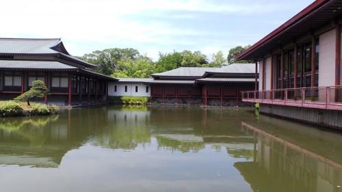 Bâtiments abritant la salle au trésor du sanctuaire Usa Jingū, situé dans la péninsule de Kunisaki, au nord de la préfecture d'Ōita sur l'île de Kyushu