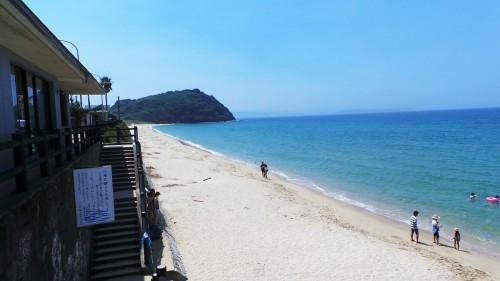 La plage Anego no Hama Singing Beach dans la péninsule d'Itoshima