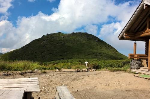 Refuge en haut de la montagne Asahidake, parc Daizetsuzan, Hokkaido, Japon.