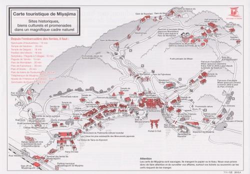 Carte touristique de l'île de Miyajima pendant koyo, Japon.