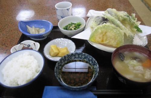 Restaurant Tanada dans le joli village rural de Yamakoshi, Japon.