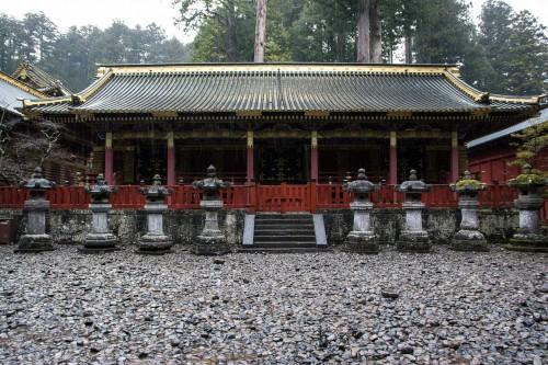 les bâtiments de laque au sanctuaire Toshogu à Nikko