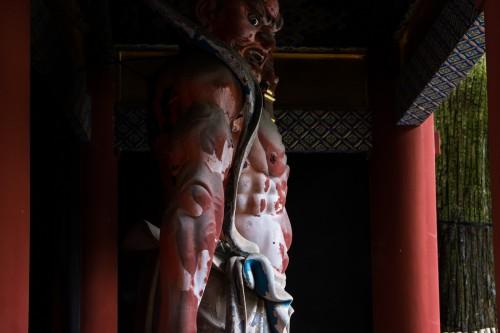 les rois Deva au sanctuaire Toshogu à Nikko