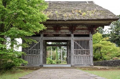 Le temple Myosenji et sa belle porte Sanmon voir sur l'île de Sado, Niigata