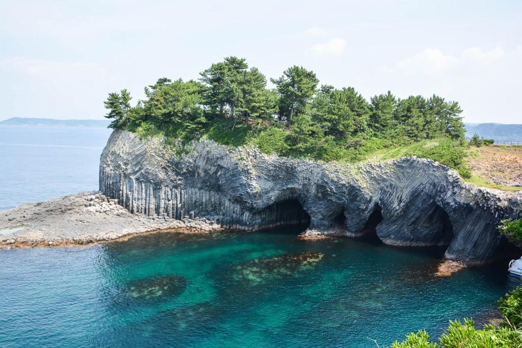 Les grottes de Nanatsugama Enchi à Karatsu où Jacques Mayol allait souvent petit dans la préfecture de Saga sur l'île de Kyushu