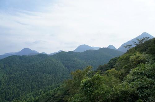 Panorama de montagne vu depuis de Mont Fudo, dans la région Rokugo Manzan située dans la péninsule de Kunisaki, Oita, Kyushu
