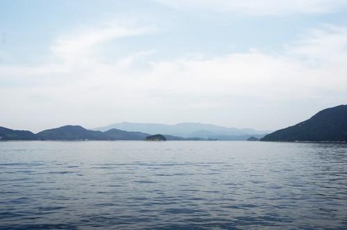 Vue sur les îles de la mer intérieure depuis le ferry pour se rendre dans la péninsule de Kunisaki