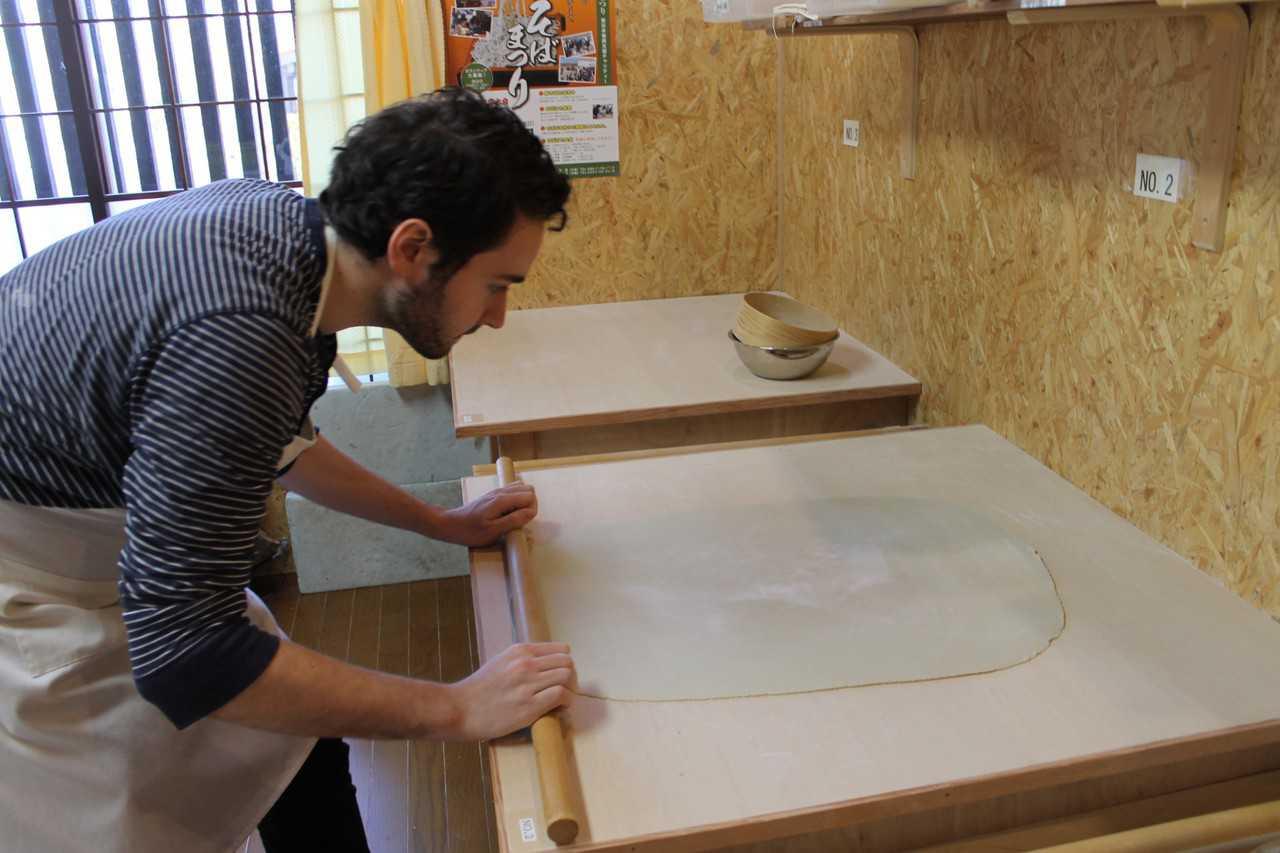 Une initiation à la fabrication des nouilles soba à Karuizawa