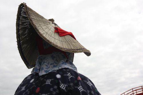 Chapeau traditionnel de la conductrice de tarai-bune sur l'île de Sado, dans la Préfecture de Niigata, Japon