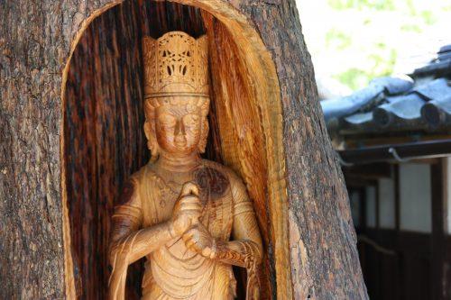 Sculpture en bois au musée des cultures du Nord à Niigata, Japon
