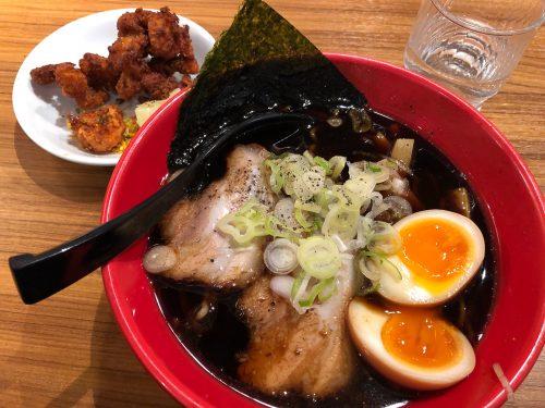 Toyama black ramen, spécialité de Toyama dans la région d'Hokuriku, Japon